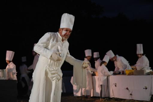"""""""Miam !"""" Séquence cuisine. Gilbert Renou."""