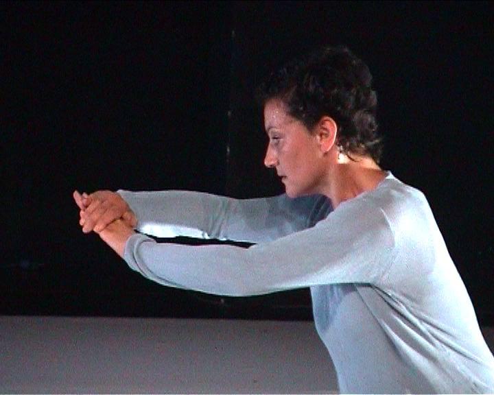 """Sylvie Molina, danse, """"Lectures froissées"""""""