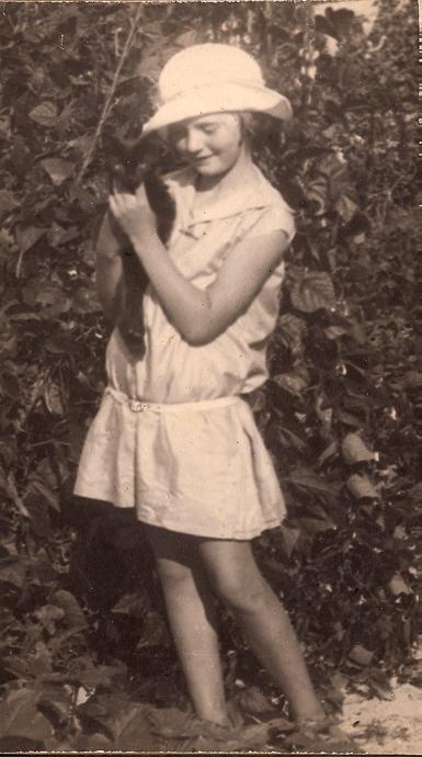 Colette Bonzo enfant, à Saron-sur-Aube.