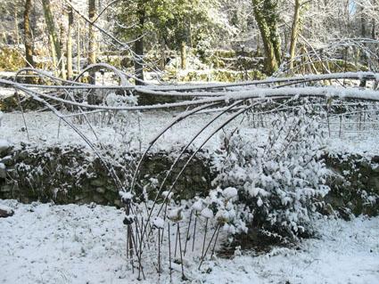 Les jardins du Château du Pin sous la neige