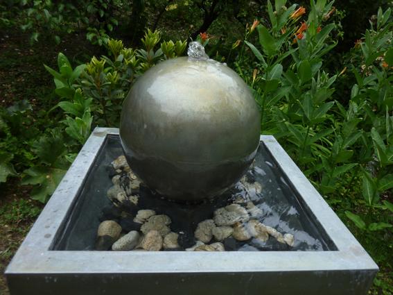 Julien Constans, fontaine zinc (détail)
