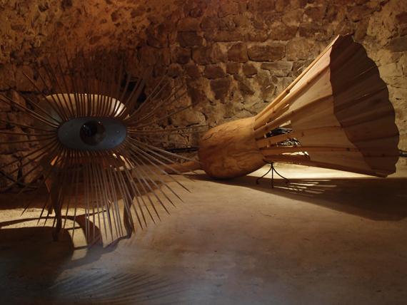 """Sylvie Klein, """"L'Oeillet"""", """"Le Volant"""", sculpture sur bois."""