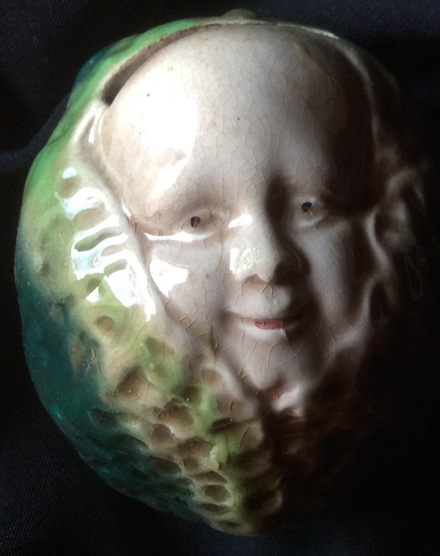 Tirelire 1900 - Bébé dans son chou.